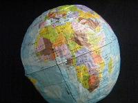 地球儀の紙風船
